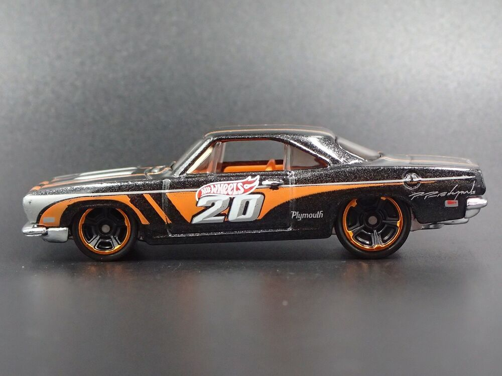 Details About 1968 PLYMOUTH BARRACUDA FORMULA S RARE 164 SCALE COLLECTIBLE DIECAST MODEL CAR