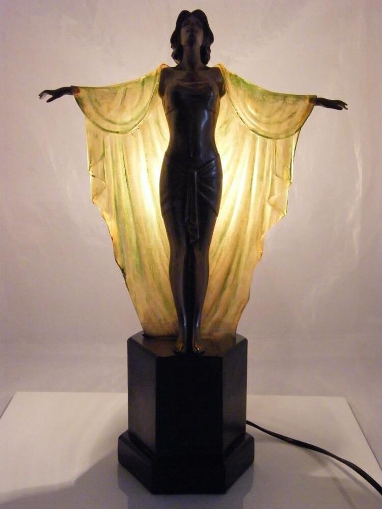 Beautiful art deco style lamp ebay for Art deco style lamp