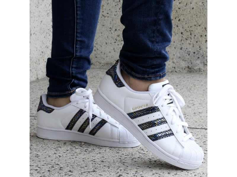 45e1270899c6 ADIDAS SUPERSTAR ORIGINALS S76352 GENUINE . WHITE METALLIC SNAKE ALL SIZES  NEW