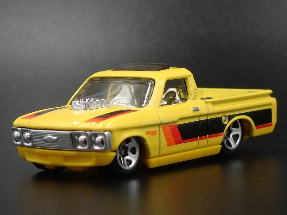 1972 Chevy Chevrolet Luv Pickup Truck 164 Collectible Diorama