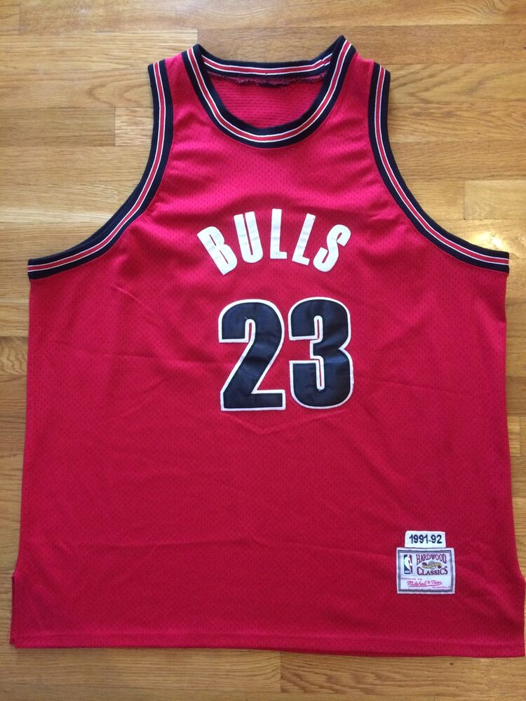 17c4749c5927 Details about Mitchell Ness-Hardwood Classics-Chicago Bulls-Michael Jordan   23 Sewn Jersey
