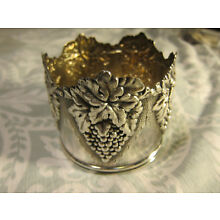 Solid Sterling Silver Repousse Wine Bottle Coaster Grape Leaves & Bunches 142 gr