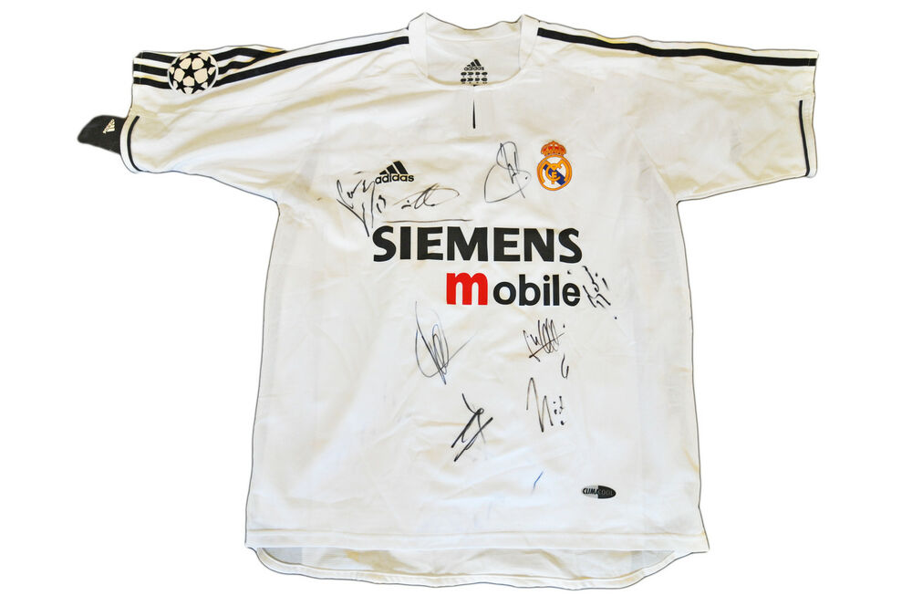 Details about REAL MADRID JERSEY SQUAD GENUINE HAND SIGNED RAUL CASILLAS  SHIRT + PHOTO PROOF 2b65d1d87