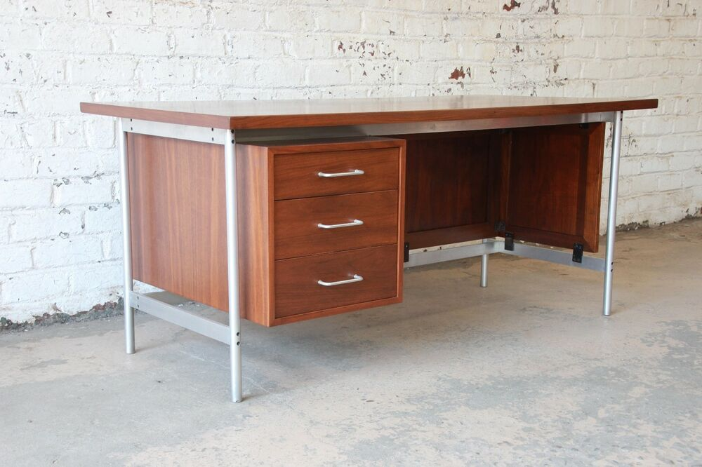 Jens Risom Mid Century Modern Executive Desk In Walnut Cane And