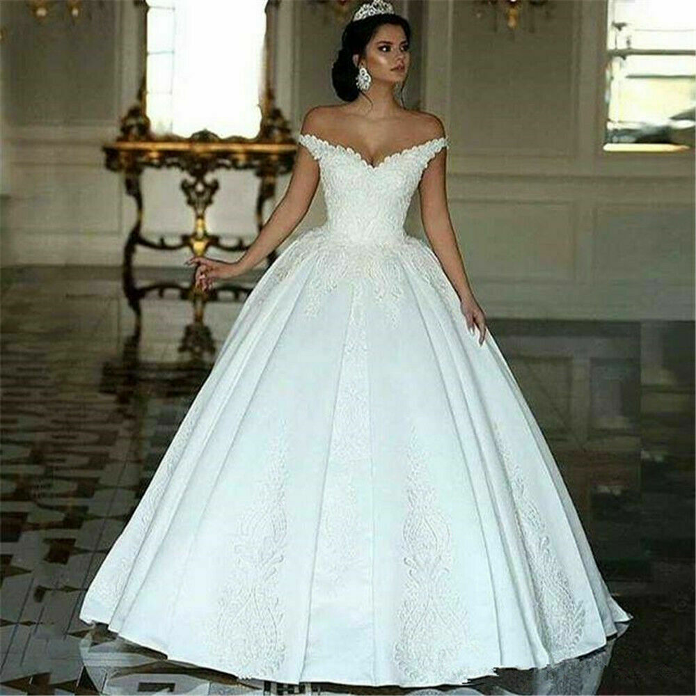 2019 Dubai Arabic Wedding Dresses Lace Appliques Off