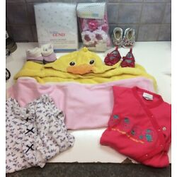 Kyпить Baby Girl Lot Of 9-Sleepers,Blankets, Shoes,Hooded Towel,crib Sheets-SZ 3 Months на еВаy.соm