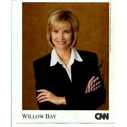 CNN personality WILLOW BAY signed AUTOGRAPH 485