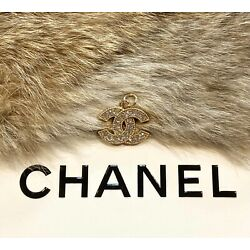 Kyпить Chanel Gold CC Logo Stamped Button 22mm Metal Zipper Pull With Crystals на еВаy.соm