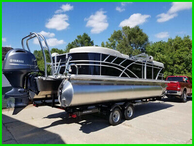 2021 Sylvan Mirage 822 LZ Yamaha 4-Stroke 115HP 4 Couches Only Used Once 6 Hours