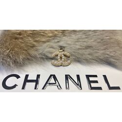 Kyпить Chanel Gold CC Logo Stamped Button 18mm Metal Zipper Pull With Pearls на еВаy.соm