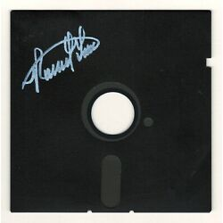 Kyпить Ronald Wayne Authentic Autographed Rare Co-Founder Apple Co. 5.25 Floppy Disk на еВаy.соm