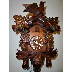 Kyпить Cuckoo Clock, w. Animated Birds That Bend Down And Back to Feed Their Chicks  на еВаy.соm