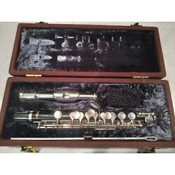 VITO PICCOLO MADE BY YAMAHA IN VERY NICE CONDITION. JUST ADJUSTED AND PLAYS WELL