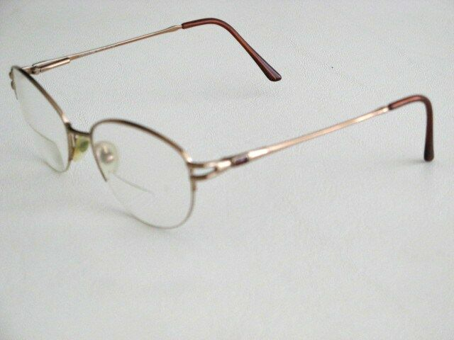 Eyeglass Frames Not Made By Luxottica : LUXOTTICA EYEGLASS FRAMES FLOATING LENS VINTAGE 1980s ...