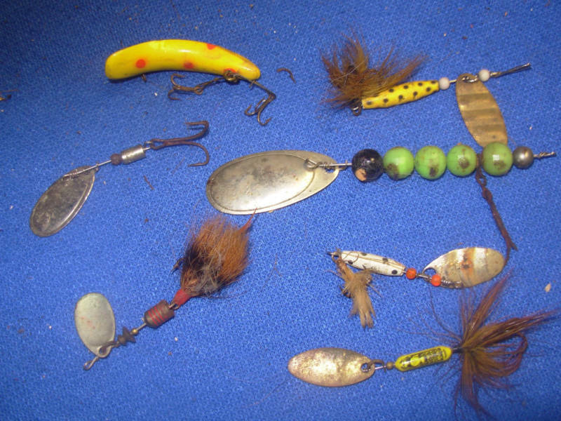 Lots of old vintage and antique fishing lures lot 2 ebay for Fishing lures for sale on ebay