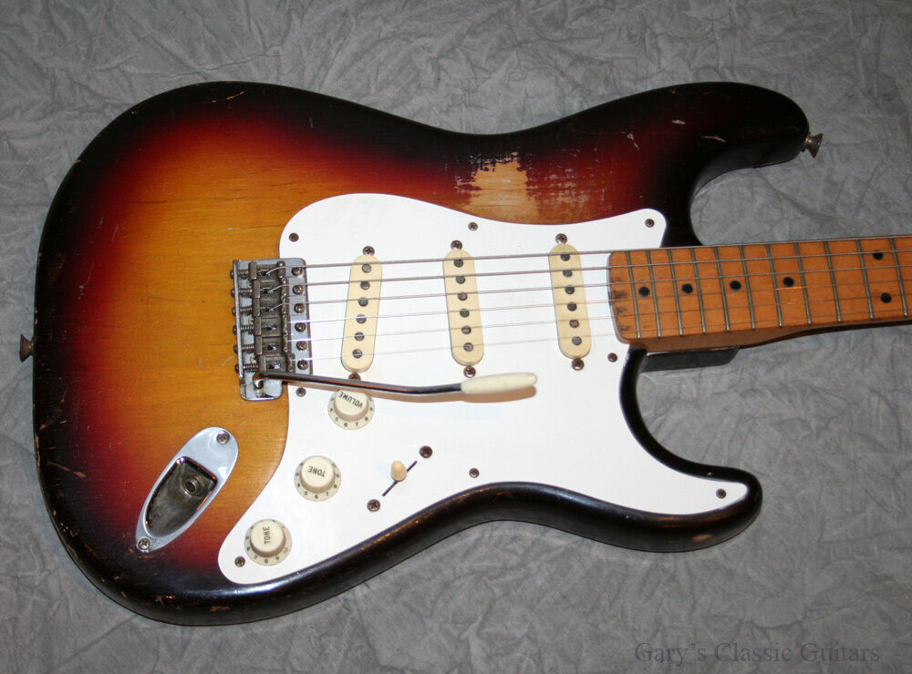 1958 Fender Stratocaster  Sunburst  Maple Neck   Fee0274