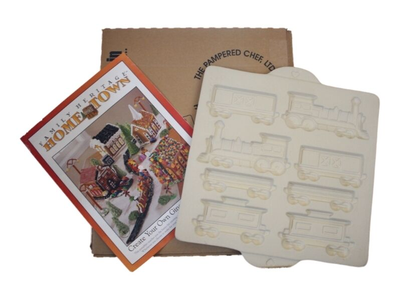 New Pampered Chef Gingerbread Cookie Holiday House Train Mold Kit 1806 Ebay