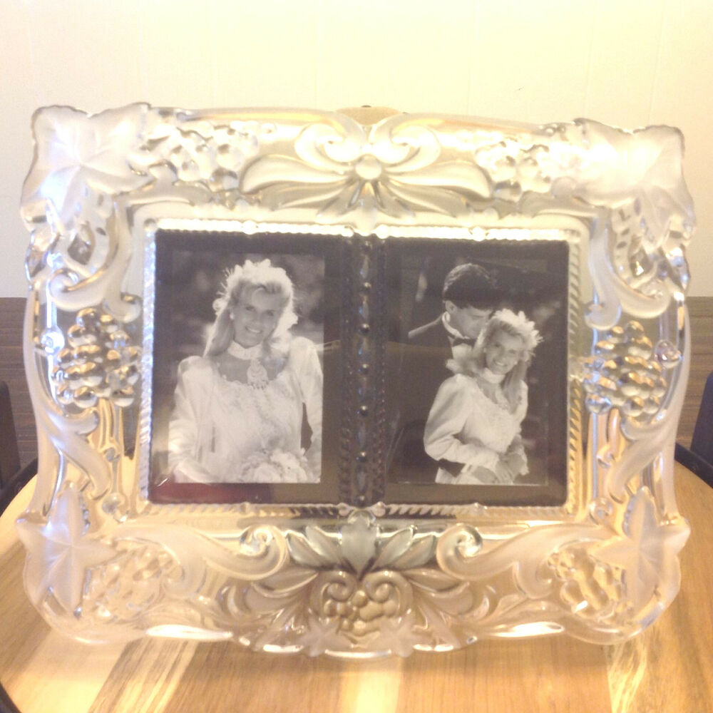 MIKASA VINTAGE MEMORIES DUET GLASS CRYSTAL CLEAR FROSTED FRAME WEDDING Vtm