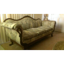 Vintage couch sofa settee $750 (excellent condition) (price just reduced)