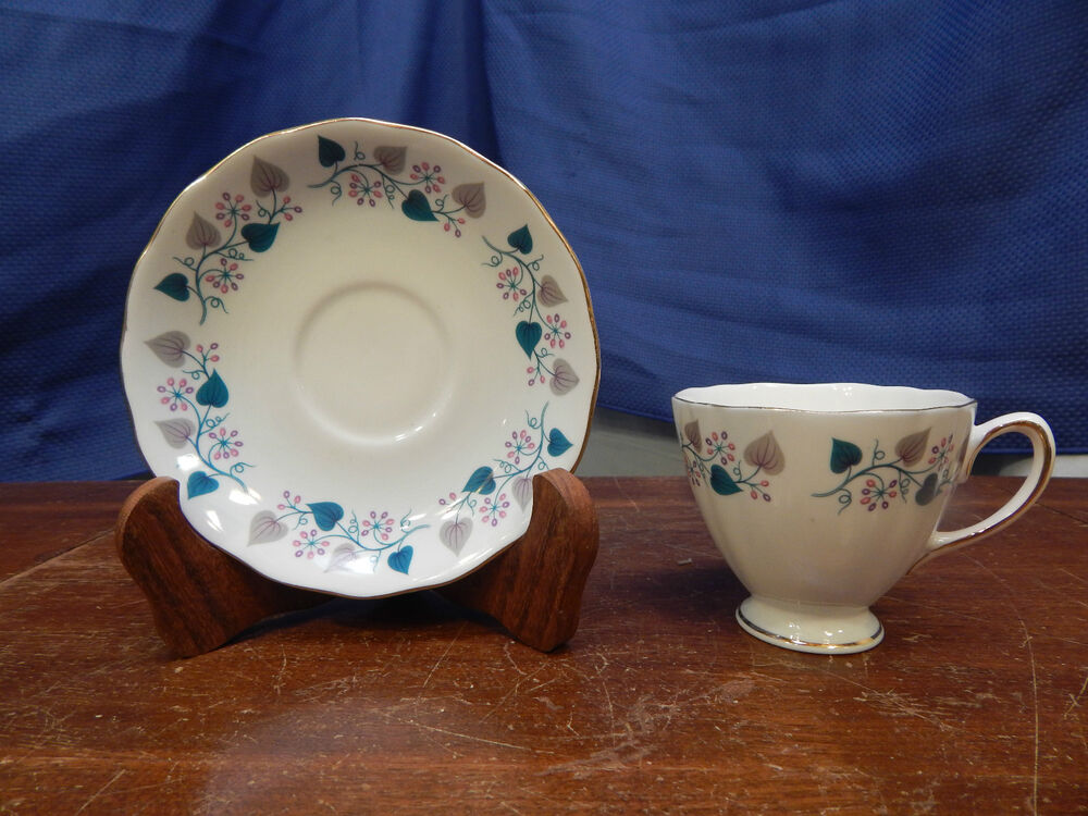 colclough bone china cup and saucer d2 made in england ebay. Black Bedroom Furniture Sets. Home Design Ideas