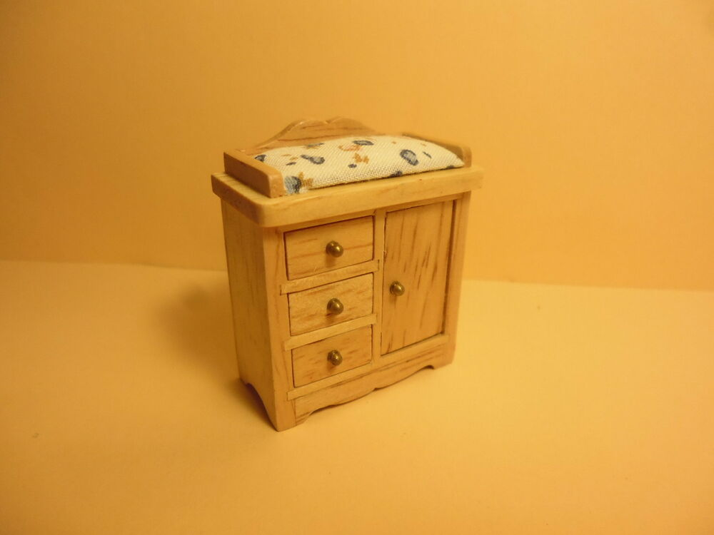 Quality 1 24th scale dolls house furniture changing for Furniture 4 your home