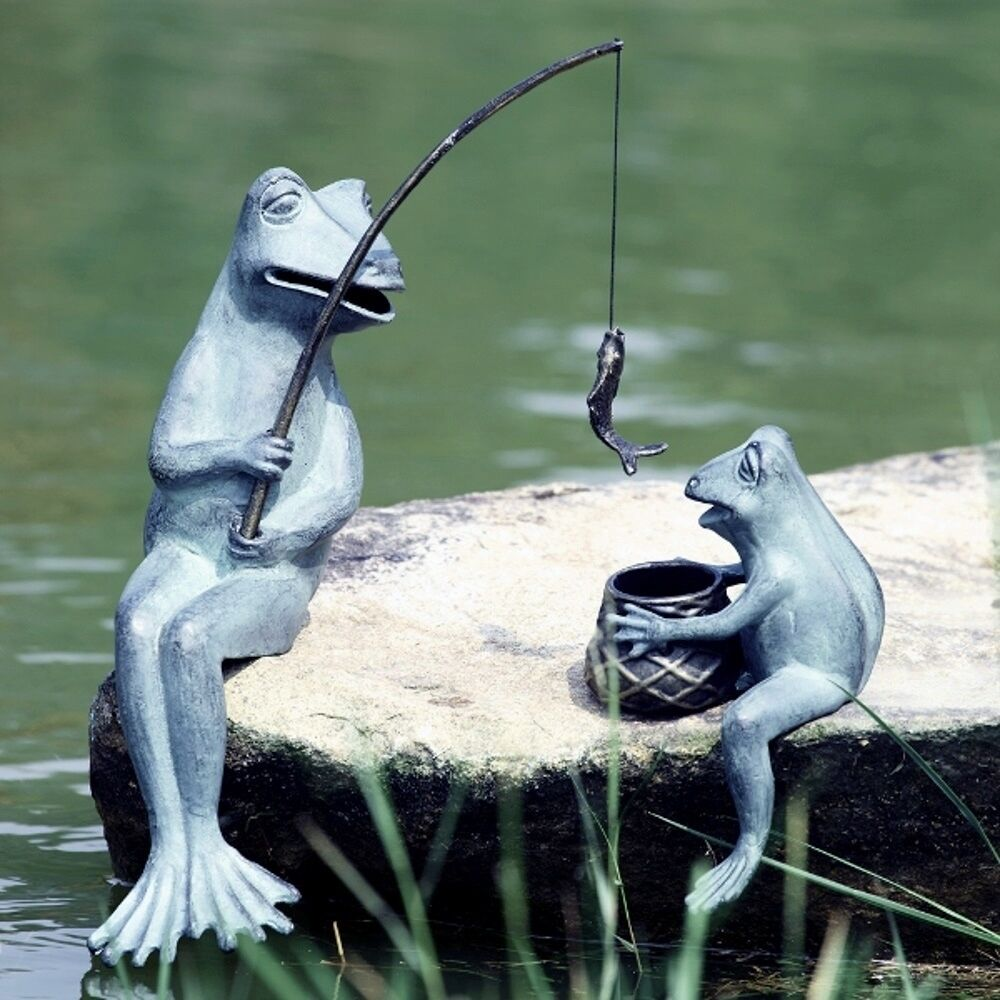 Fishing frog mama baby pair garden pond decor fish metal for Fish garden statue
