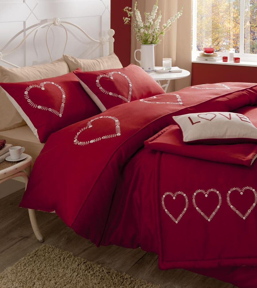 Catherine lansfield decorative hearts red quilt cover for Decorative bed covers