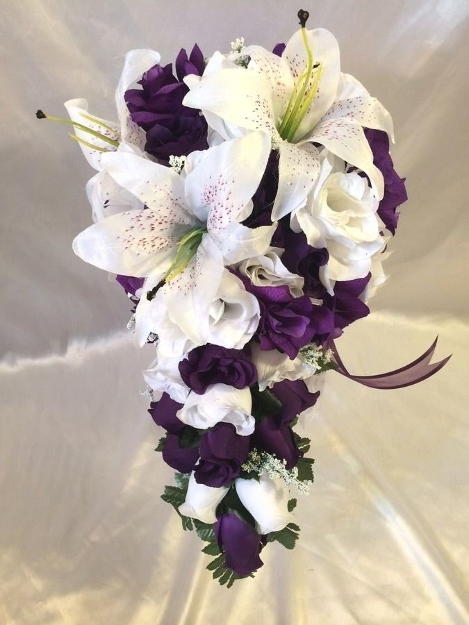 purple wedding bridal bouquet silk wedding flower package 4 bridesmaids ebay. Black Bedroom Furniture Sets. Home Design Ideas