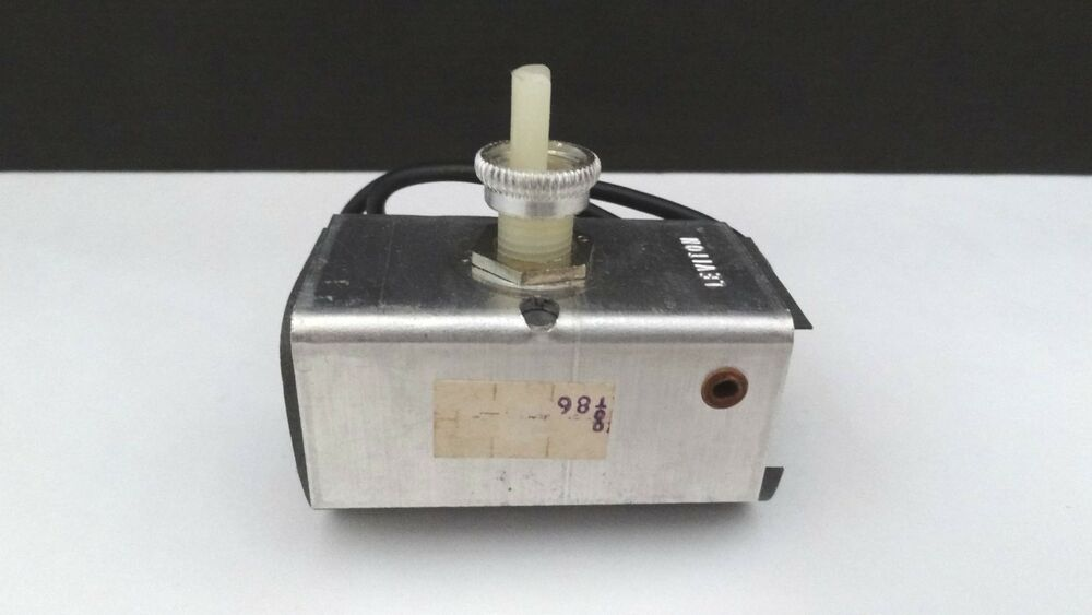 Table Fan Switches : Leviton lamp dimmer with rotary switch centered shaft
