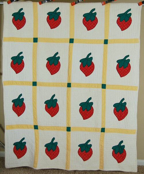 Cheery 30 S Strawberry Applique Antique Quilt Beautiful
