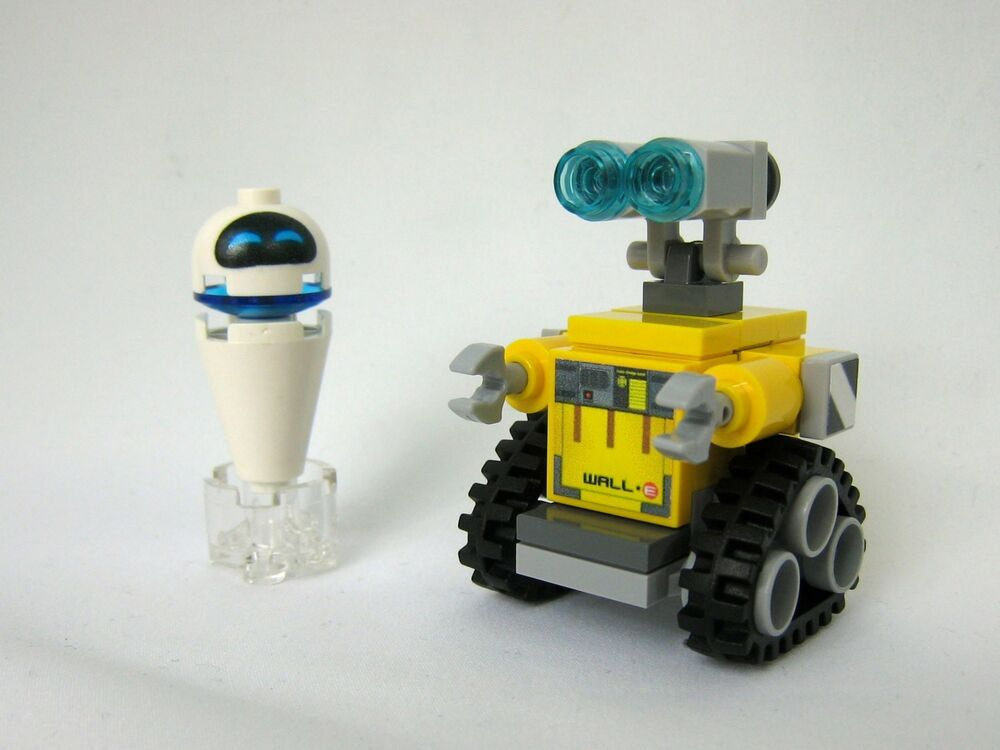 custom made wall e robot levitating eve disney inspired made from lego pieces ebay. Black Bedroom Furniture Sets. Home Design Ideas