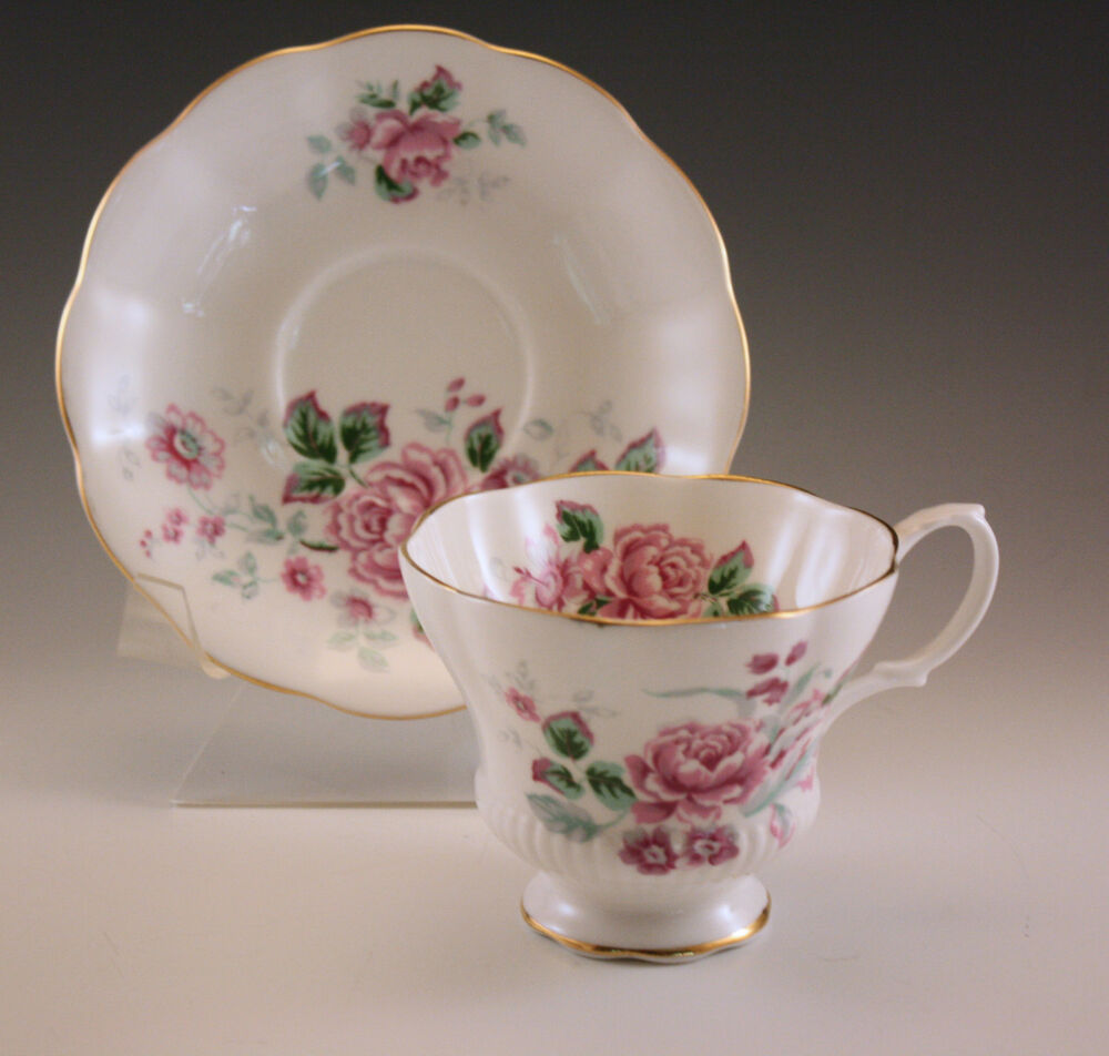 vintage royal albert bone china porcelain cup and saucer set ebay. Black Bedroom Furniture Sets. Home Design Ideas