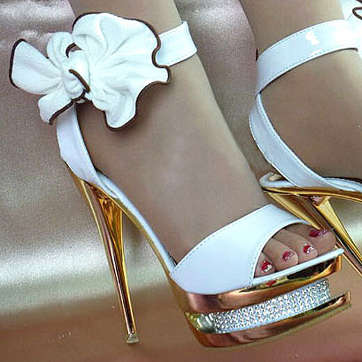 beautiful gorgeous sparkly white ankle bows diamonds