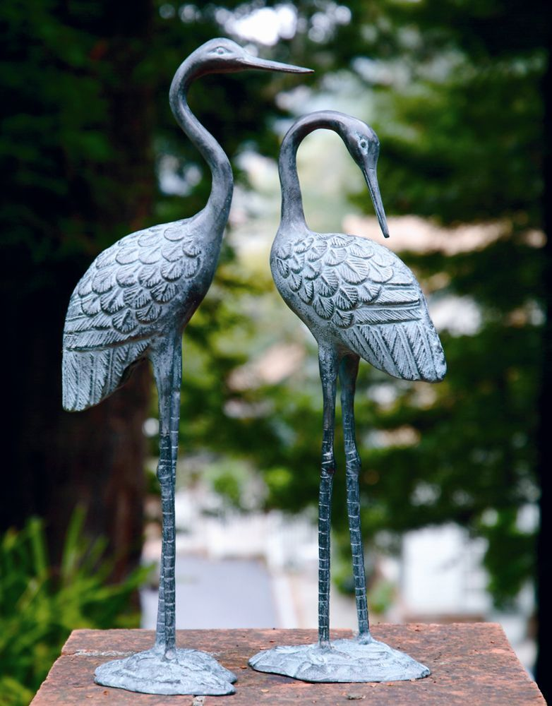 Brass love crane pair sculpture indoor outdoor garden bird for Figurine decoration jardin