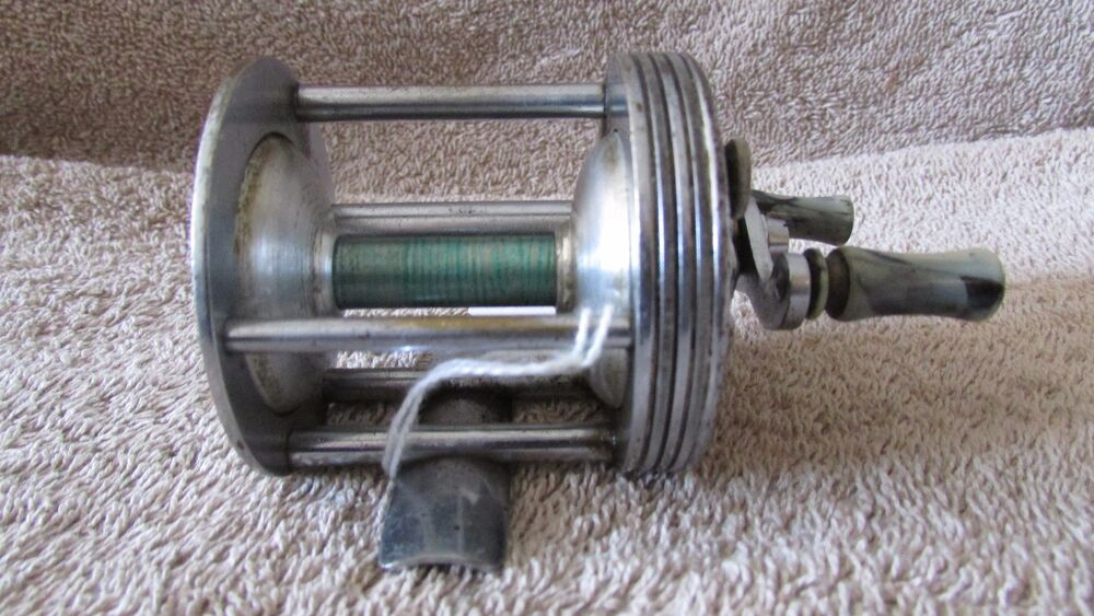 Vintage brooklure no 20 fishing reel made in the usa g for American made fishing reels