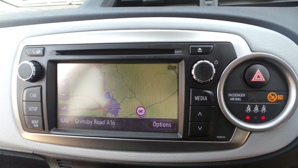 toyota yaris sat nav satnav head unit radio cd player. Black Bedroom Furniture Sets. Home Design Ideas