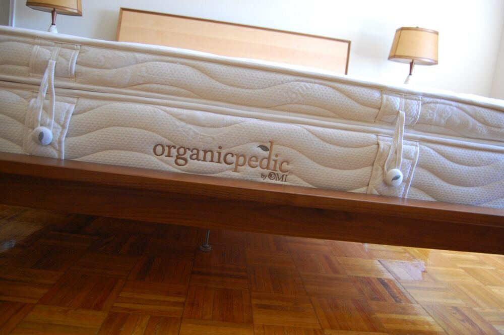 queen latex mattress by omi organicpedic with tufted wood slat foundation ebay. Black Bedroom Furniture Sets. Home Design Ideas