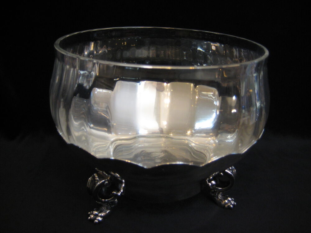 Reed barton 183 silverplate scalloped edge footed centerpiece w crystal bowl ebay - Footed bowl centerpiece ...