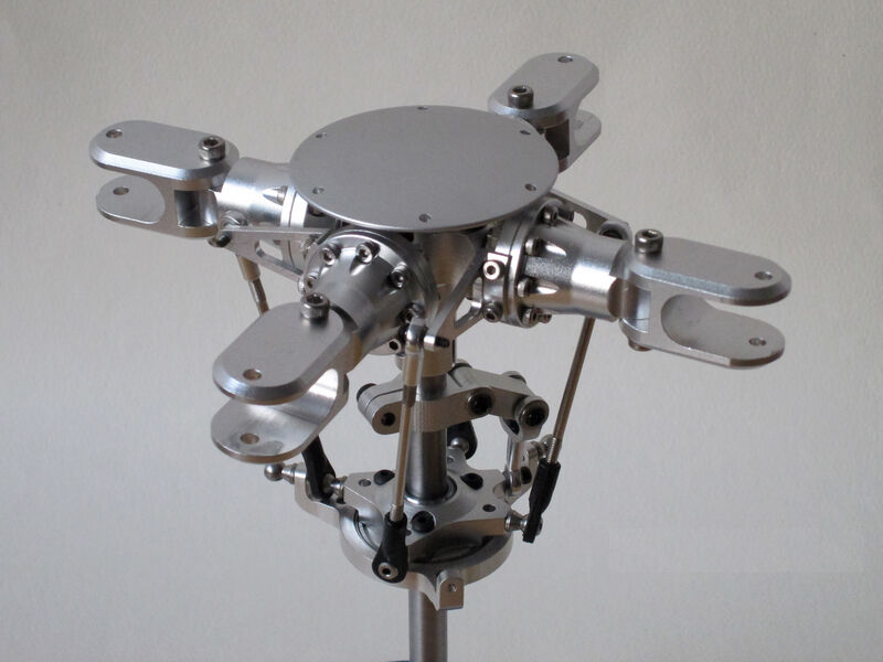 4 Blades Scale Rotor Head for 500 Size Scale Helicopter