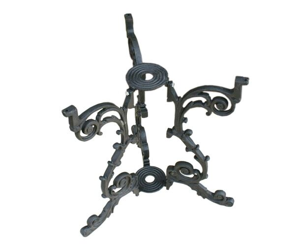 Wrought Iron Furniture Feet also French Directoire Console Table And Side Tables additionally 162236749979 as well White Bamboo Outdoor Furniture as well Italian Painted Cabi  Seller John Yaco ti Antiques. on ornate antique cast iron furniture legs