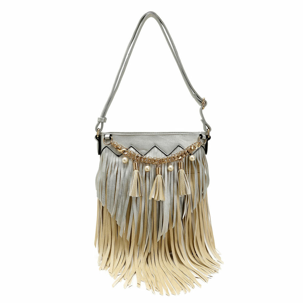Whether you prefer the bohemian look or rock 'n roll vibes, these handbags bring movement into every day.