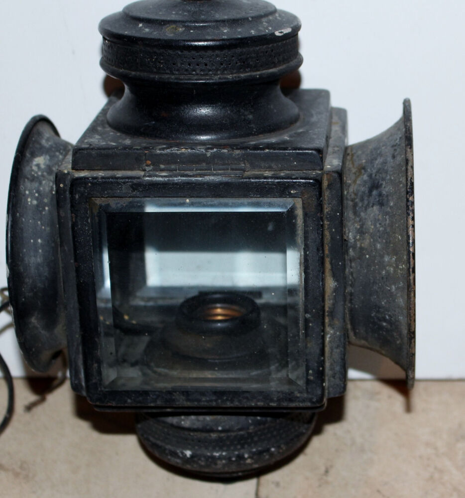 Vintage wall mount lantern by feldman exterior light for Art deco exterior light fixtures