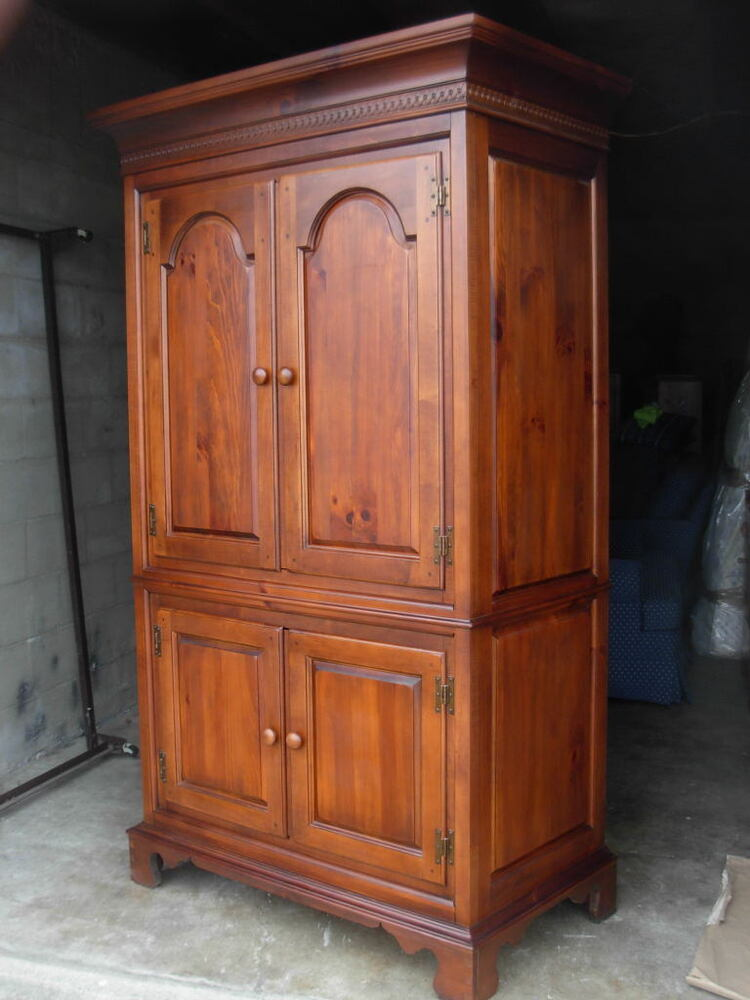 rare vintage armoire dixie furniture usa made cherry. Black Bedroom Furniture Sets. Home Design Ideas