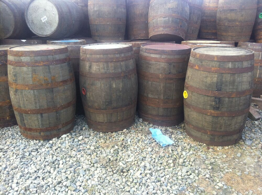 ex whiskey oak barrel 40 gallon wooden keg drum water butt. Black Bedroom Furniture Sets. Home Design Ideas