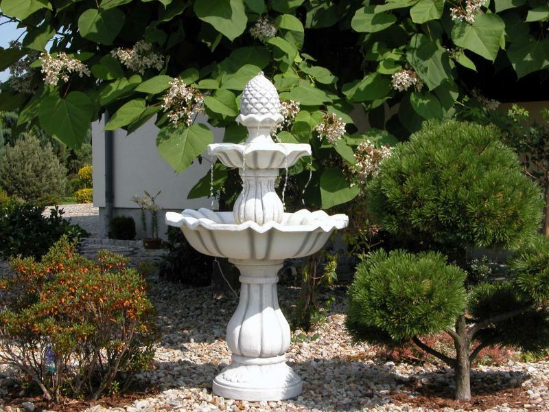 springbrunnen brunnen pinienzapfen mit pumpe steinkunst gartenbrunnen blackform ebay. Black Bedroom Furniture Sets. Home Design Ideas