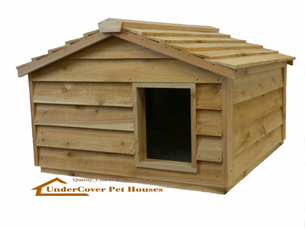 Extra large insulated cedar outdoor cat house small dog for Insulated heated dog house