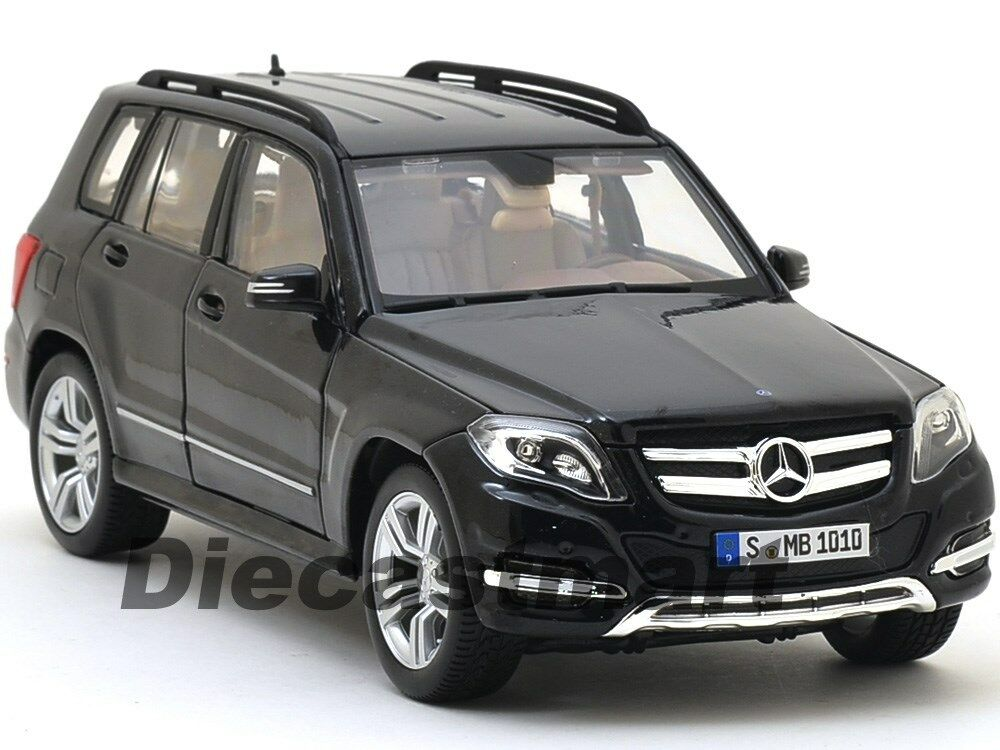 Mercedes glk class black 1 18 diecast car model by maisto for Mercedes benz suv models list