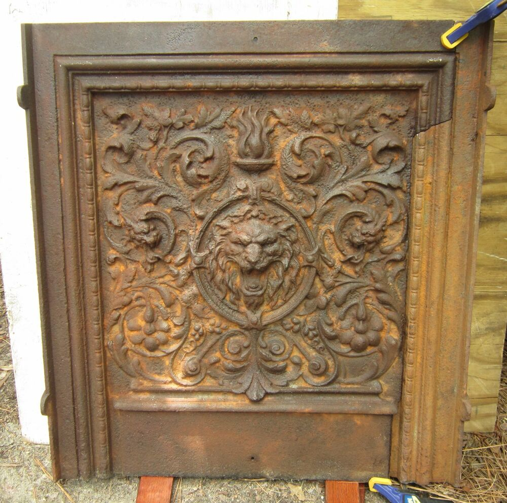 BOLD ANTIQUE Fireplace Fireback Lion Griffith Cast Iron