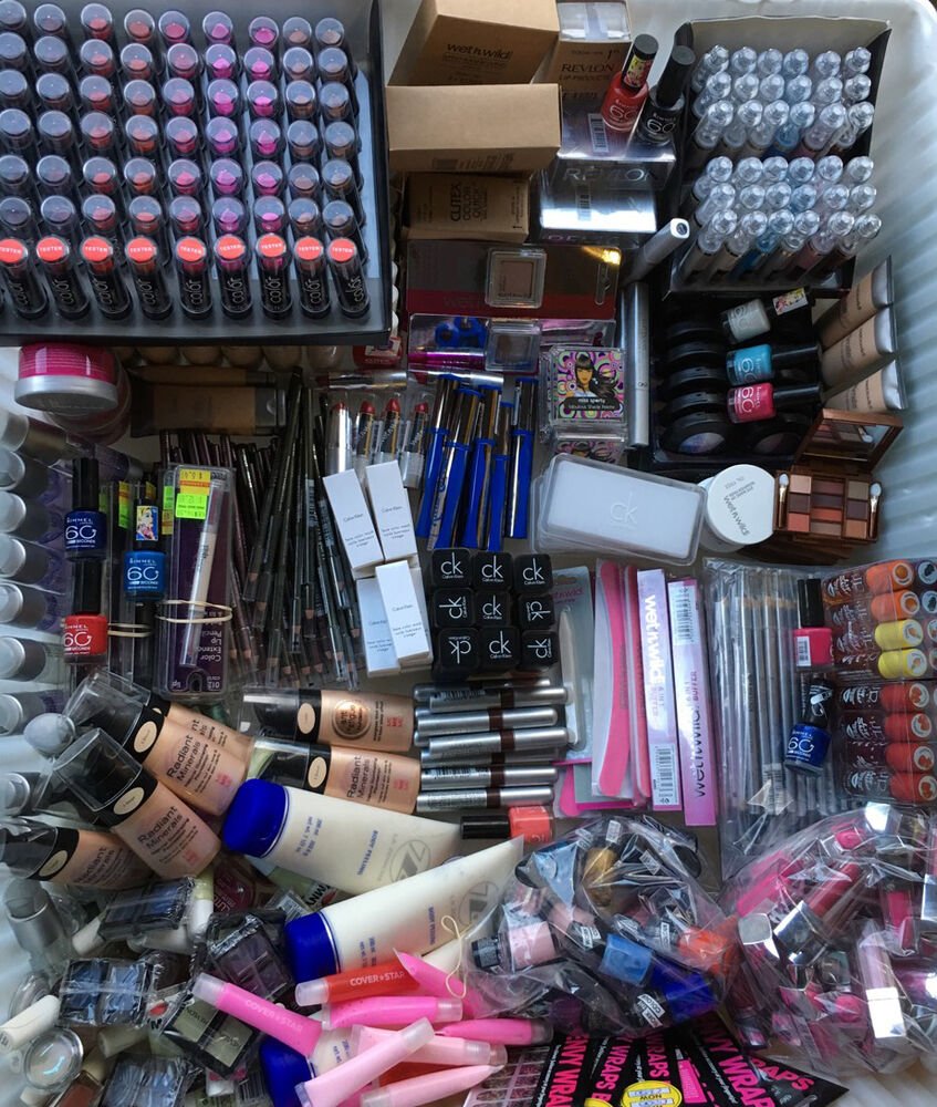 About Direct Cosmetics UK Discount Voucher Code(s) We understand that the customers deal with a lot of problems when they leave for shopping. Reasons like high priced products, unavailability of items and the missing out on offseason make the situation worse.