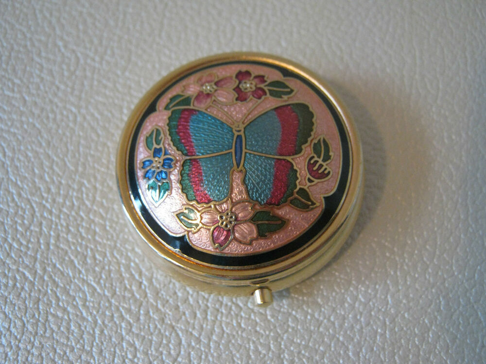 pretty gold tone round pill trinket box with decorative cloisonne lid detailing ebay. Black Bedroom Furniture Sets. Home Design Ideas